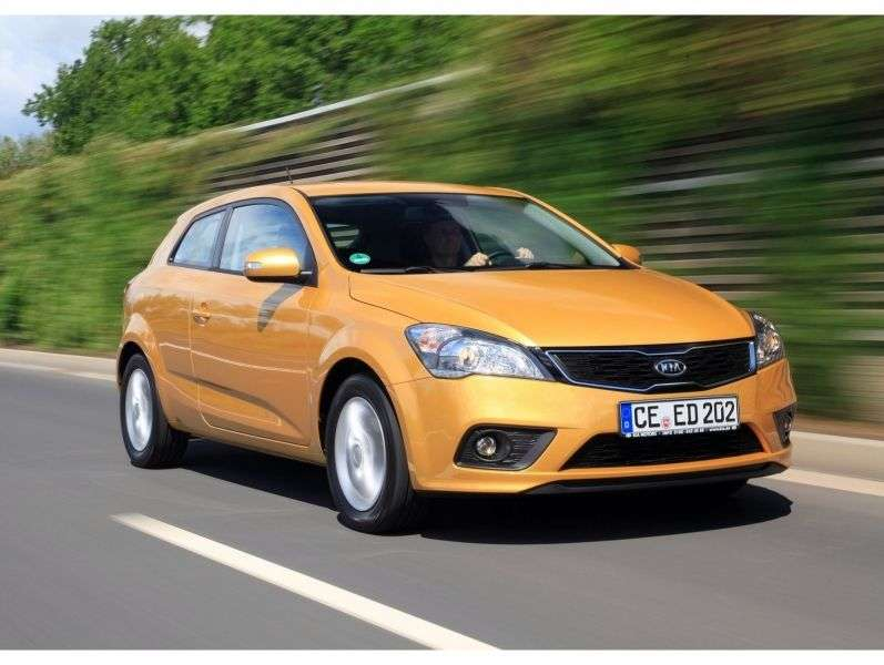 Kia Ceed 1st generation [restyled] Pro ceed 3 bit hatchback 1.6 AT Comfort (2011–2012)