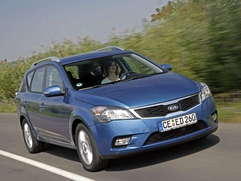 Kia Ceed 1st generation [restyled] SW wagon 2.0 MT Luxe (2010–2012)
