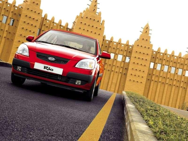 Kia Rio 2 generation hatchback 1.5 CRDi MT (2005–2009)