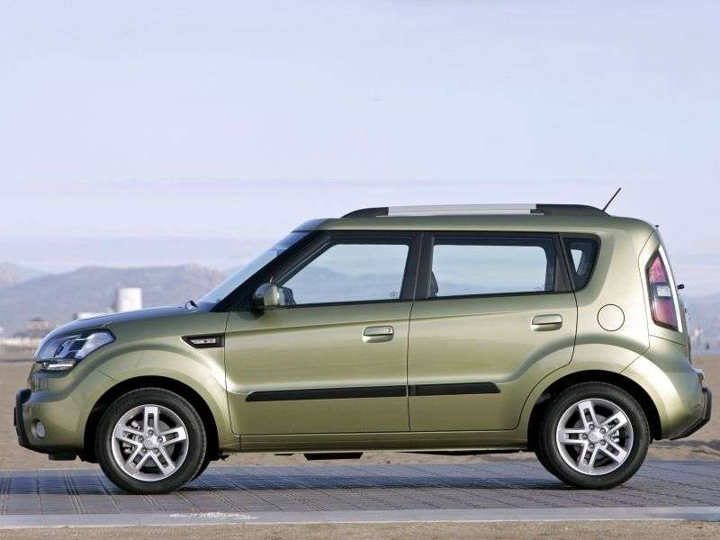 Kia Soul 1st generation hatchback 1.6 AT Comfort (2008–2011)