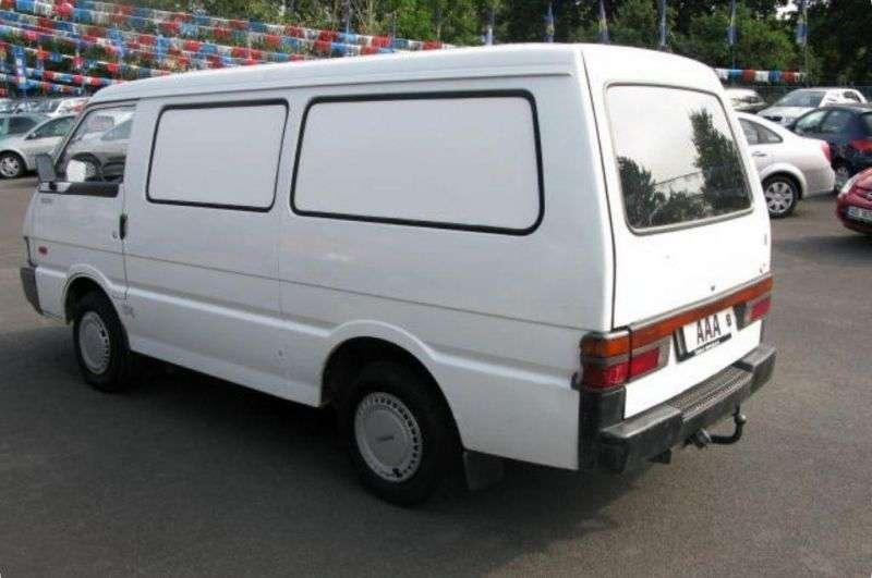 Kia Besta 1. generacja [zmiana stylizacji] Triple van 2.7 D MT (1992 1996)