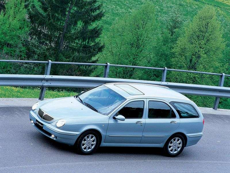 Lancia Lybra 1st generation wagon 2.0 MT (1999–2000)