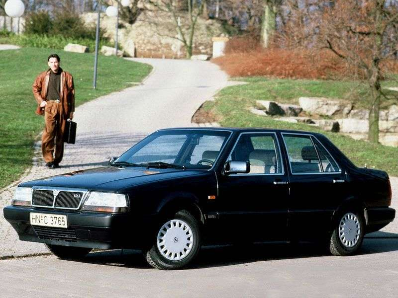 Lancia Thema 1st generation 2.0 MT Turbo sedan (1988–1990)