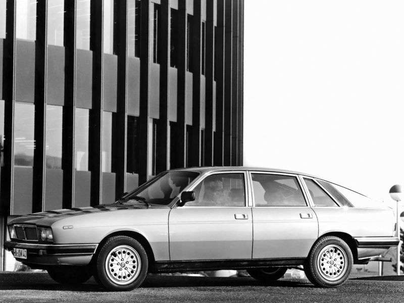 Lancia Gamma 2nd generation Berlina fastback 2.5 i MT (1980–1984)
