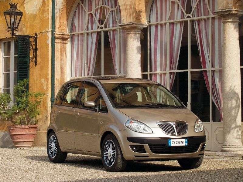 Lancia Musa 1st generation minivan 1.3 Multijet AMT (2004–2007)