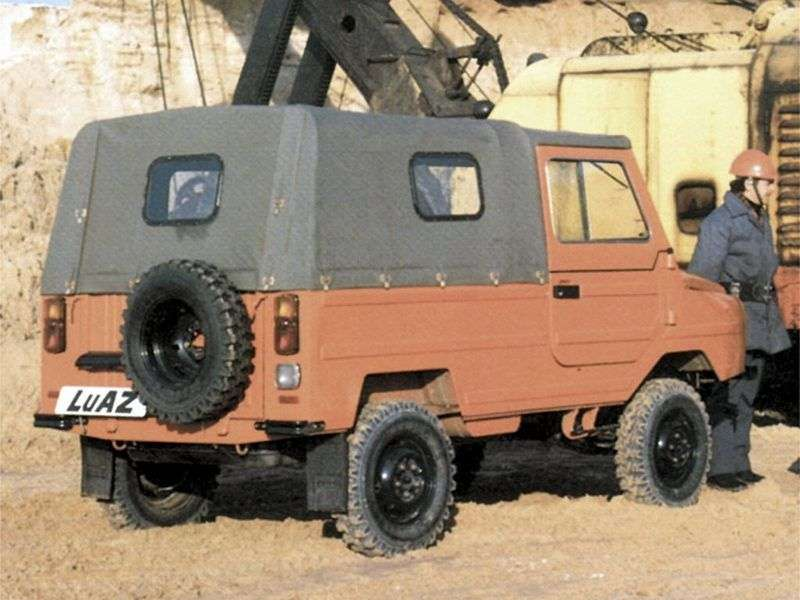 LuAZ 1302 1st generation SUV 1.1 MT (1990–2002)