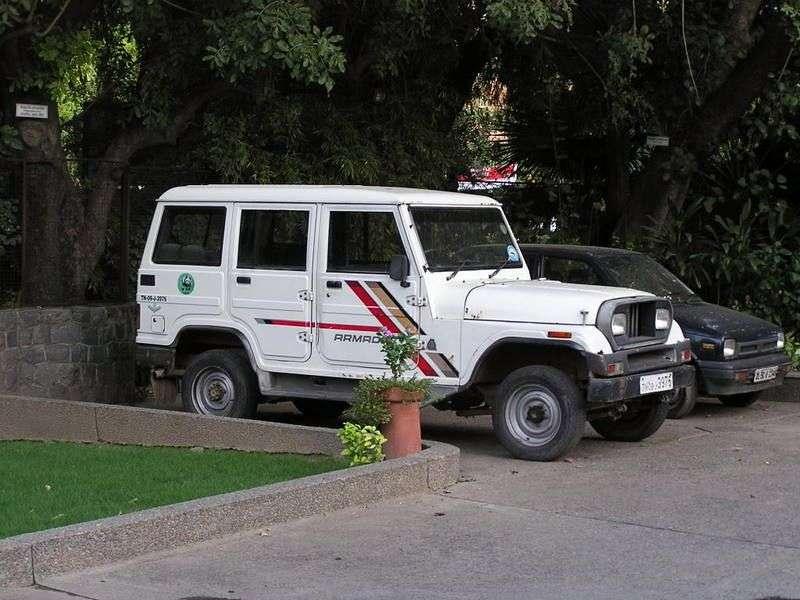 Mahindra Armada CJ7 SUV 2.5 D MT (1992 obecnie)