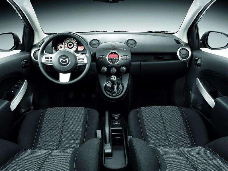 Mazda 2 2 generation hatchback 5 dv. 1.5 AT (2008–2010)