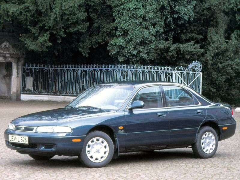 Mazda 626 GEsedan 1.8 MT (1994–1998)
