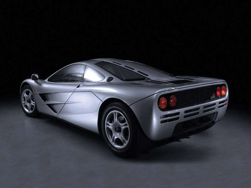 McLaren F1 1st generation coupe 6.1 MT (1992–1994)