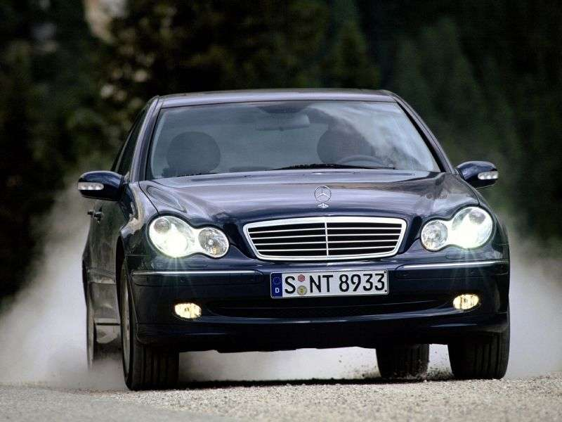Mercedes Benz C Class W203 / S203 / CL203 sedan 4 bit. C 240 4MATIC AT (2002–2004)