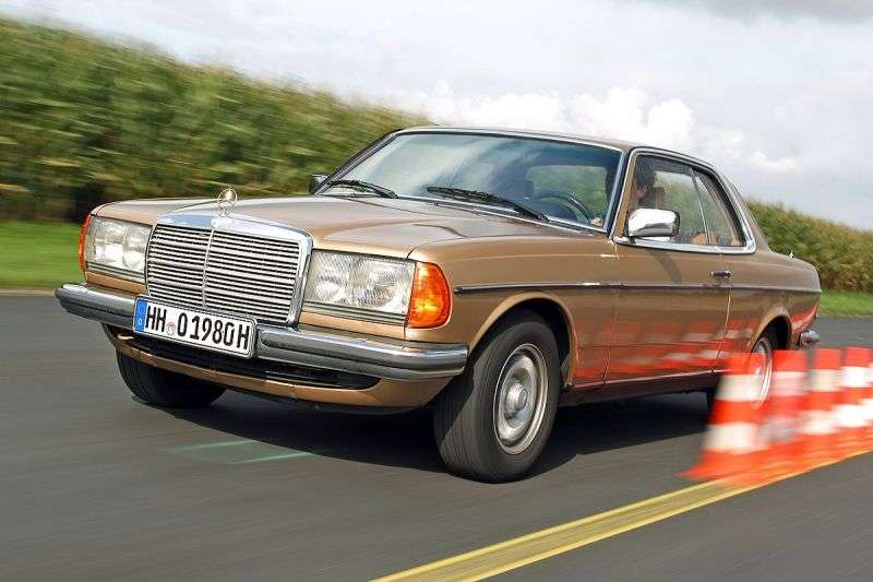 Mercedes Benz Klasa E W123 Coupe 2 drzwi 230 AT (1977 1980)