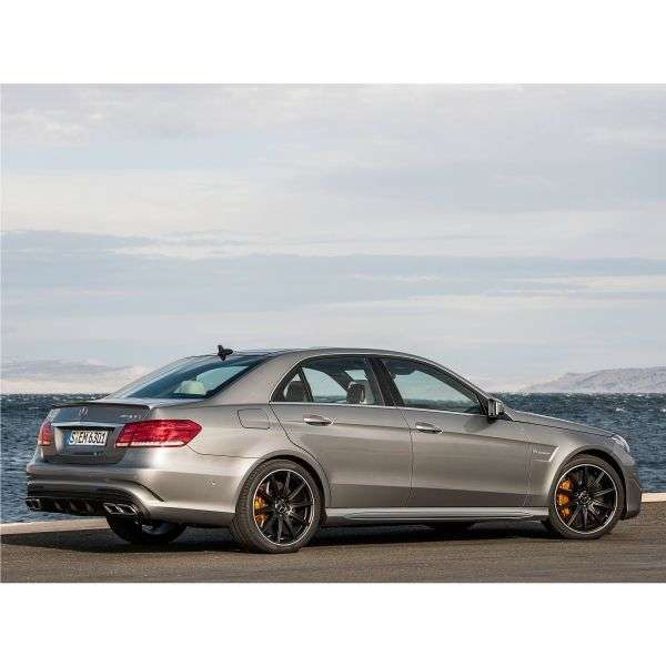 Mercedes Benz E Class W212 / S212 / C207 / A207 [restyling] AMG 4 door sedan. E 63 AMG 4Matic SpeedShift Basic (2013 – current century)
