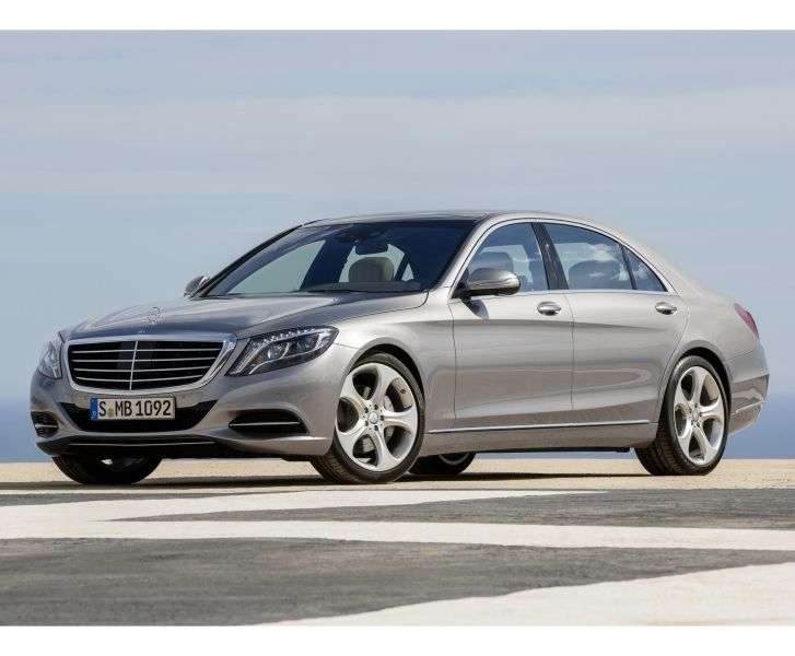 Mercedes Benz S Class W222sedan 4 bit. S 500 7G Tronic Plus Base Base Long (2013 – present)