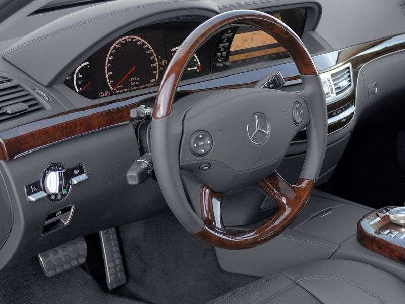 Mercedes Benz S Class W221 [restyling] AMG 4 door sedan. S 65 AMG Speedshift MCT Long Base Base (2010–2013)