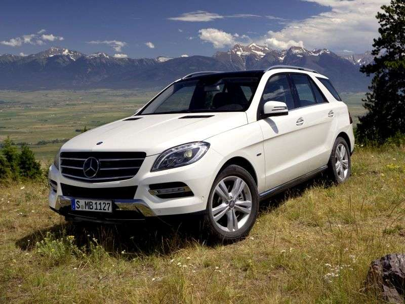 Mercedes Benz M Class W166 crossover 5 bit. ML 350 4Matic BlueEfficiency 7G Tronic Plus Special Series (2011 – n.)