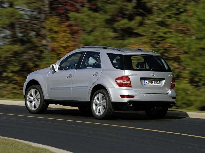 Mercedes Benz M Class W164 [restyling] crossover ML 500 AT 4MATIC Special Series (2008–2012)