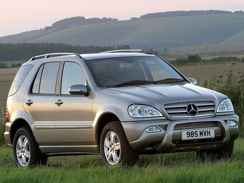 Mercedes Benz M Class W163 crossover ML 430 AT (1998–2001)