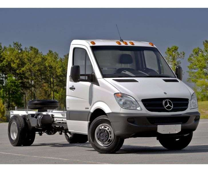 Mercedes Benz Sprinter W906 chassis 2 bit. 216 CDI MT short base base (2006–2013)