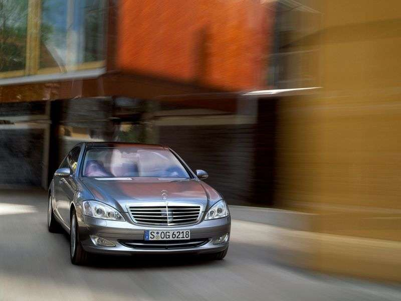 Mercedes Benz S Class W221Sedan S 350 AT 4MATIC (2005–2009)