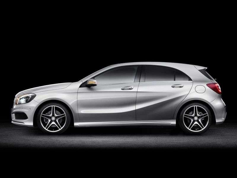 Mercedes Benz A Class W176hetchbek 5 dv. A 180 BlueEfficiency MT Basic (2012 – n. In.)