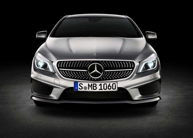 Mercedes Benz CLA Class 1st generation coupe 4 bit. CLA 200 7G DCT Special Series (2013 – current century)