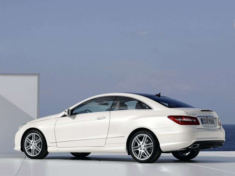 Mercedes Benz E Class W212 / S212 / C207 / A207 coupe E 500 BlueEfficiency AT Basic (2011–2013)