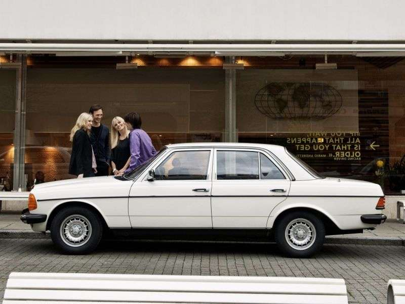 Mercedes Benz E Class w123sedan 300 D AT (1978–1985)