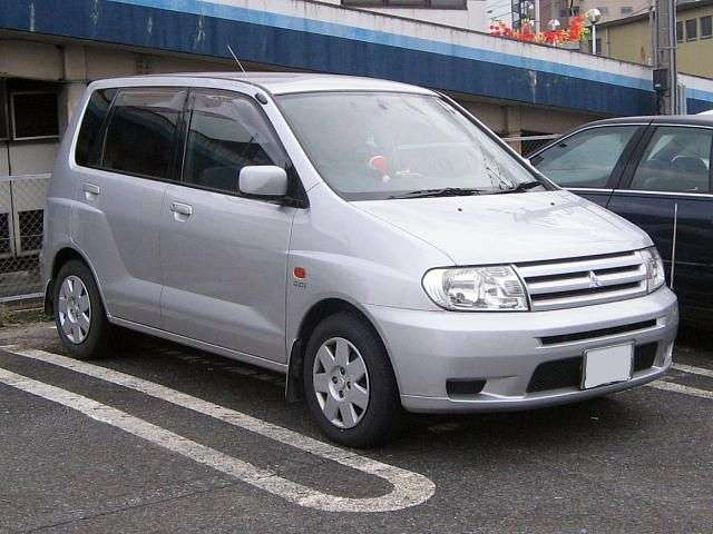 Mitsubishi Dingo 1st generation 1.5 AT 4WD minivan (2000 – n.)