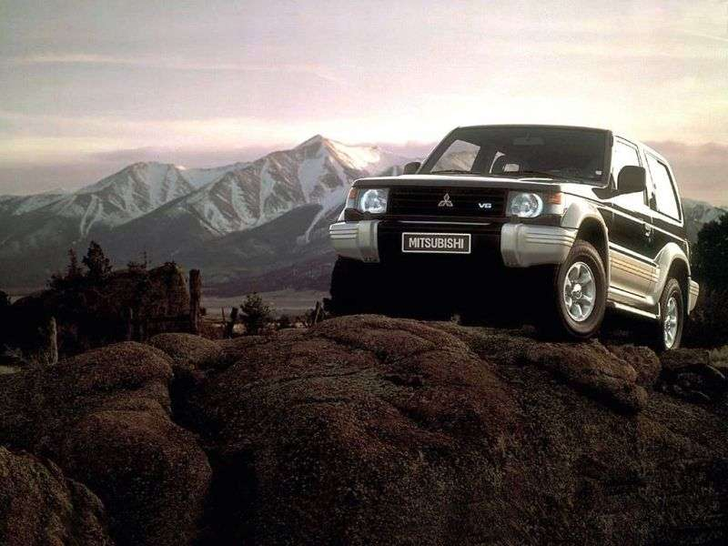 Mitsubishi Montero 2nd generation SUV 3 dv. 2.5 TD MT (1991–1998)