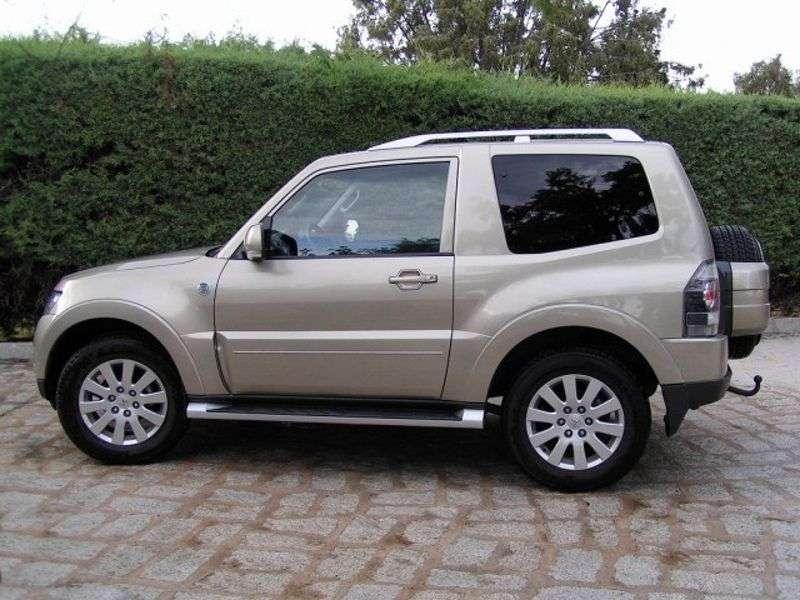 Mitsubishi Montero 4 generation SUV 3 dv. 3.2 DI D MT (2010 – present)