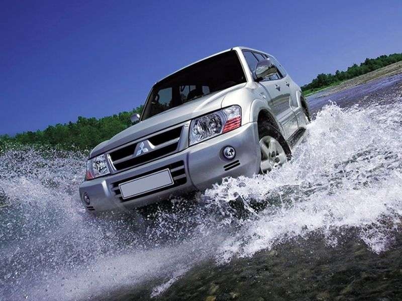 Mitsubishi Montero 3rd generation [restyling] SUV 5 dv. 3.5 GDI AT (2003–2006)