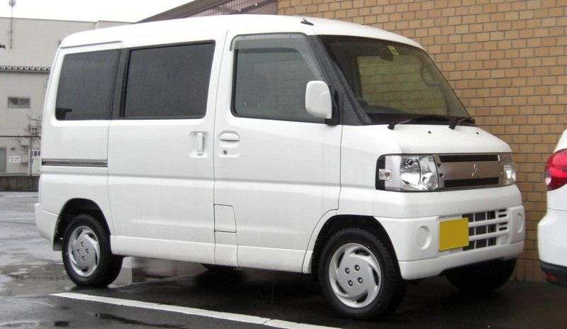 Mitsubishi Town BOX 1st generation minivan 0.7 AT (1999 – n.)