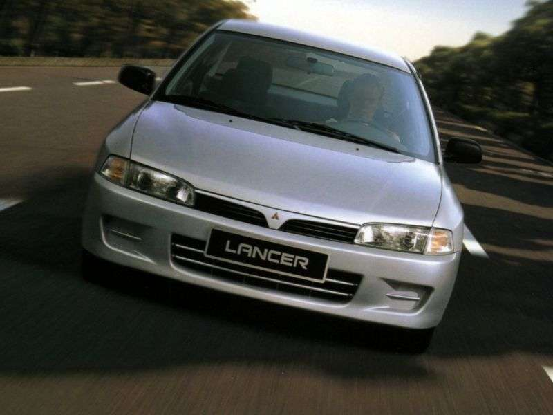 Mitsubishi Lancer 5 generation 4 door sedan. 2.0 TD AT (1995–1997)