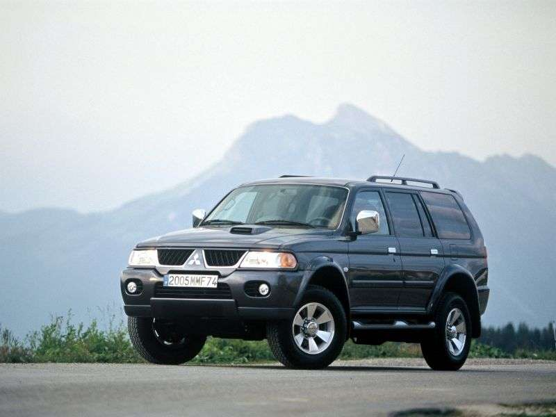 Mitsubishi Pajero Sport 1st generation [restyling] SUV 3.0 AT (2005–2008)