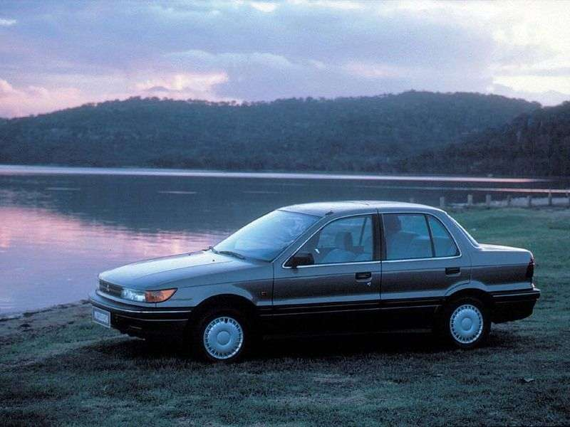 Mitsubishi Lancer 3rd generation sedan 1.3 4MT (1988–1989)