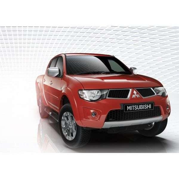 Mitsubishi L200 4th generation [restyling] pickup 2.5 DI D AT 4WD Invite + S00 (2012) (2011 – present)