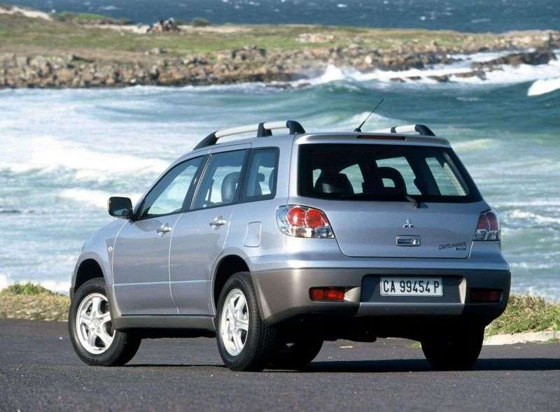 Mitsubishi Outlander 1st generation 2.0 MT 4WD crossover (2003–2006)