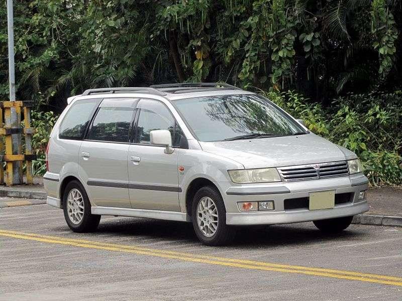 Mitsubishi Chariot 3rd generation minivan 2.4 AT 4WD (2001–2003)