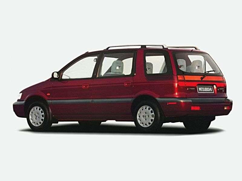 Mitsubishi Chariot 2nd generation 2.4 MT minivan (1991–1997)