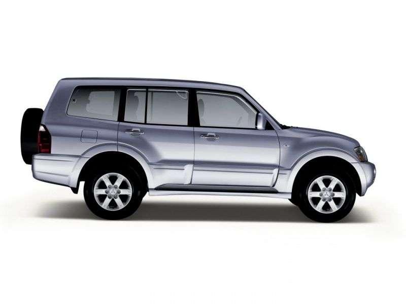 5 drzwiowy SUV Mitsubishi Pajero trzeciej generacji [zmiana stylizacji]. 3,5 AT (2003 2006)