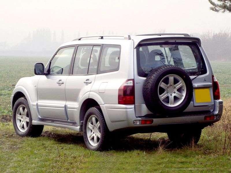 Mitsubishi Pajero 3rd generation [restyling] SUV 5 dv. 2.8 TD MT (2003–2006)