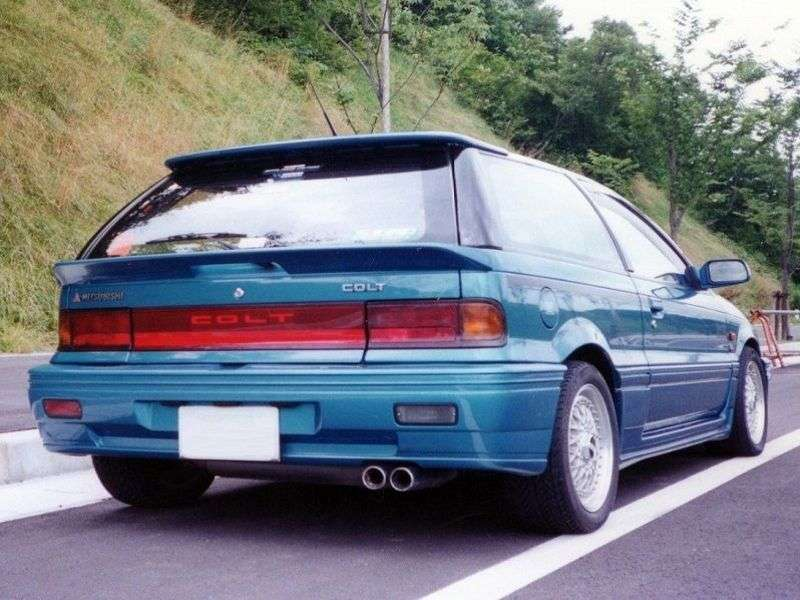 Mitsubishi Colt c50 haschback 1.5 MT (1988–1992)