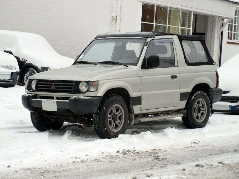 Mitsubishi Pajero 2nd generation Canvas Top Convertible SUV 2 dv. 2.5 TD AT (1991–1997)