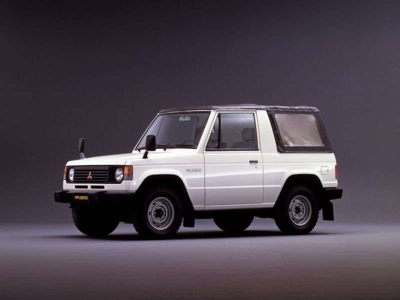 Mitsubishi Pajero 1st generation Canvas Top SUV 2 doors 2.6 MT (1982–1991)