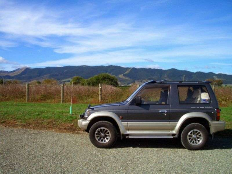 Mitsubishi Pajero 2nd generation Metal Top SUV 3 dv. 3.5 AT (1993–1997)