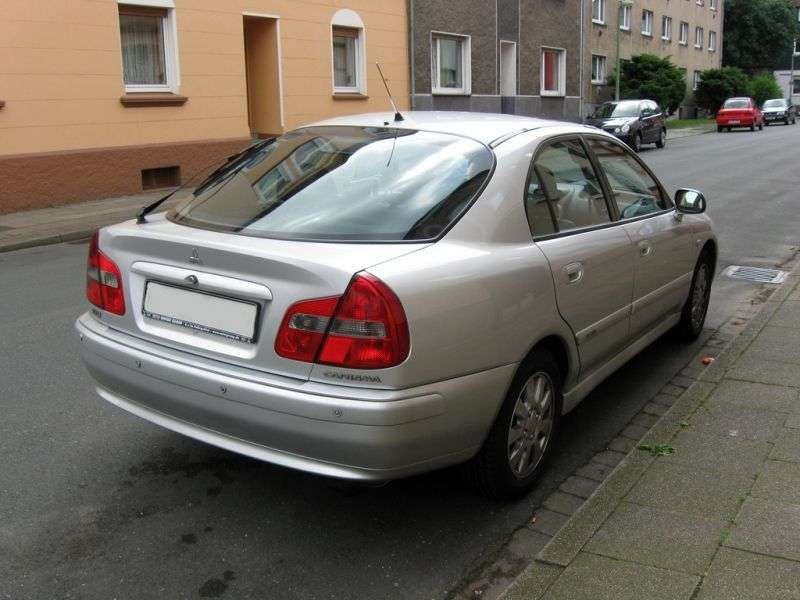 Mitsubishi Carisma 1st generation [restyled] hatchback 1.9 DI D MT (2000–2004)