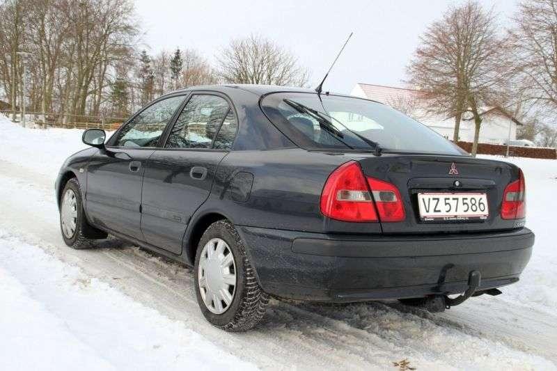 Mitsubishi Carisma 1st generation [restyled] hatchback 1.6 AT (1999–2003)