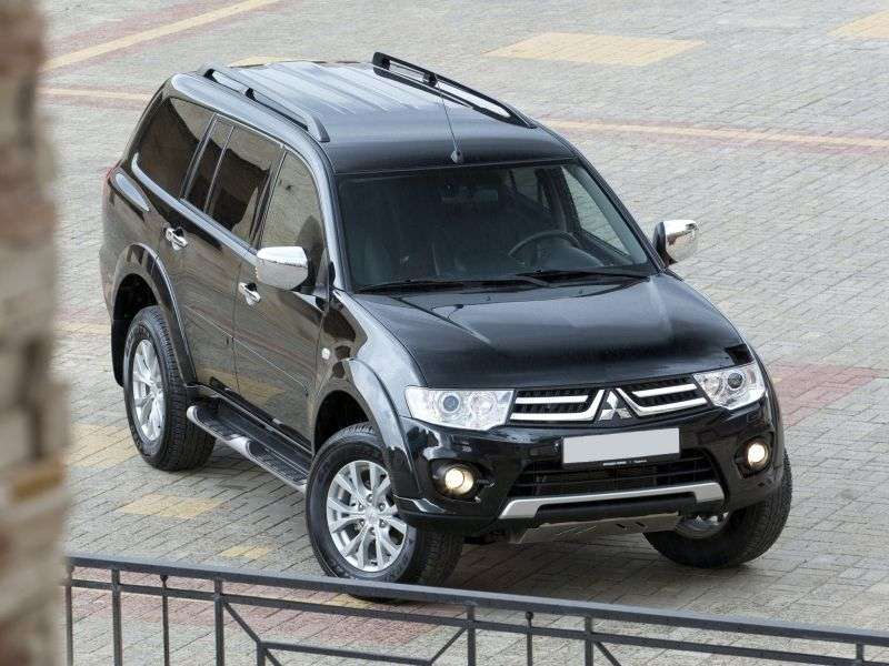 Mitsubishi Pajero Sport 2nd generation [restyling] SUV 3.0 AT AWD Intense S06 (2013) (2013 – to. In.)