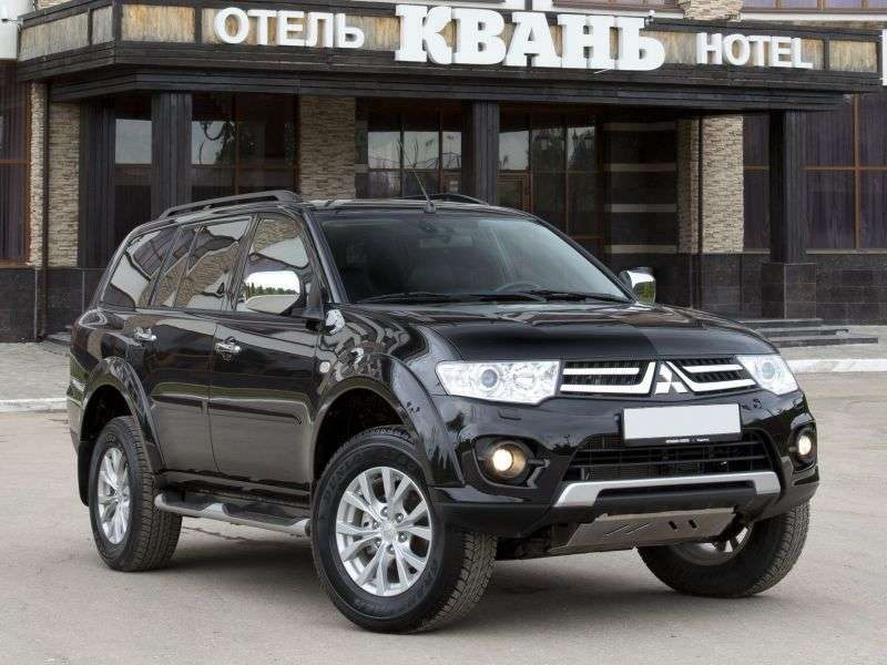 Mitsubishi Pajero Sport 2nd generation [restyling] SUV 2.5 DI D AT AWD Instyle S04 (2013) (2013 – to. In.)